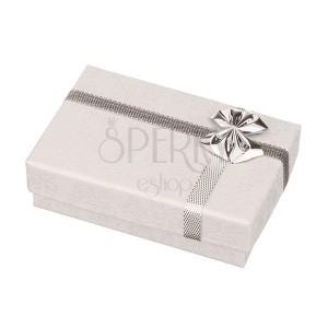 Krabička na prsteny - bílá s potiskem růžiček, stříbrná mašle