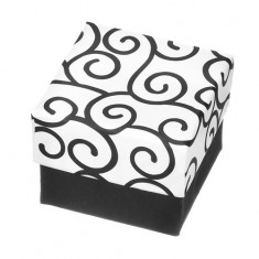 Dárková krabička na prsten - černo-bílá kostka s ornamenty Y28.6