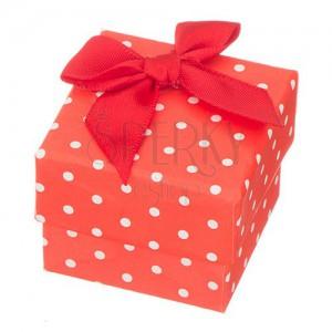 Červená krabička na prsten - bílé tečky s mašlí