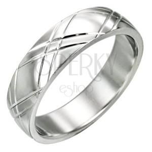 Ocelový prsten - lesklý povrch, diagonální rýhování ve tvaru X