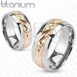 Prstýnek z titanu - zlatorůžový pás s vroubkováním