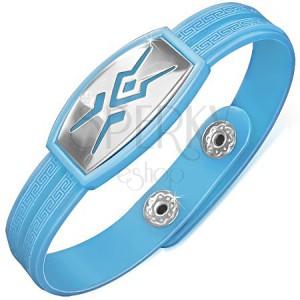Gumový náramek světle modré barvy, tribal motiv, řecký klíč