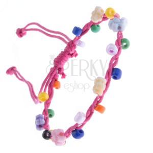 Šňůrkový náramek - růžový s barevnými korálky a kvítky