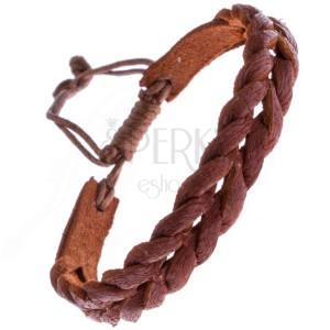 Úzký pletený náramek z kůže z karamelově hnědých proužků