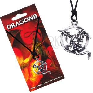 Černý šňůrkový náhrdelník s letícím drakem v obruči