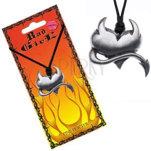 Šňůrkový náhrdelník s lesklým ďábelským srdcem
