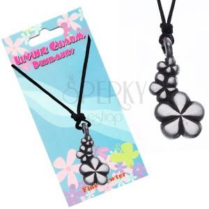 Černý náhrdelník - šňůrka, přívěsek, tři květy