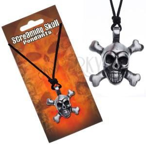 Šňůrkový náhrdelník s přívěskem lebky se zkříženými hnáty