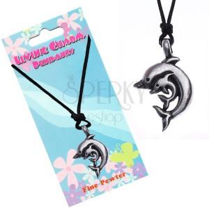 Šňůrkový náhrdelník s přívěskem dvou delfínů