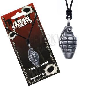 Šňůrkový náhrdelník s patinovaným přívěskem ručního granátu