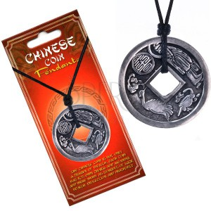 Šňůrkový náhrdelník černý, přívěsek, čínská mince, zvěrokruh