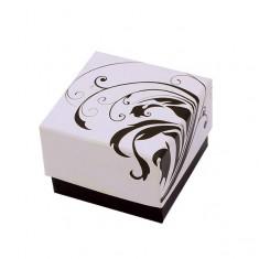 Béžovo-hnědá dárková krabička s ornamenty zatočených listů TY22