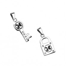 Stříbrné přívěsky - klíč a zámek se čtyřlístkem