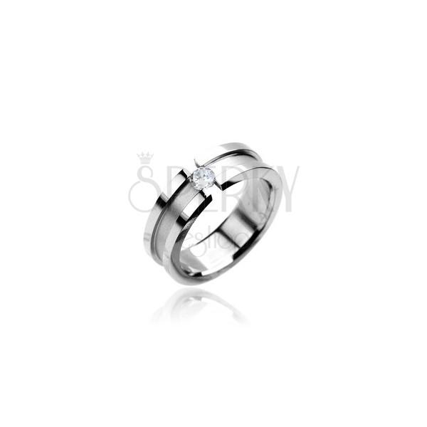 Prsten z chirurgické oceli se zirkonem - matný pruh a lesklé okraje