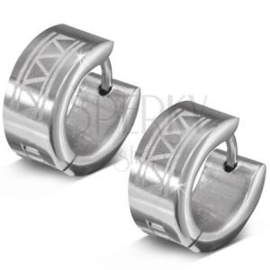 Náušnice z 316L oceli, gravírované kroužky s trojúhelníky