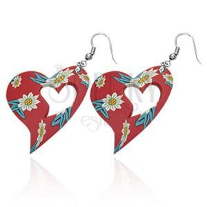 Náušnice, červené vyřezávané FIMO srdce s květinkami