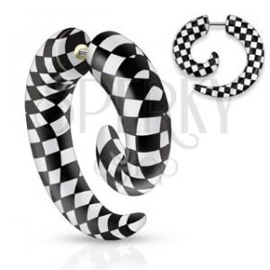 Falešný akrylový expander do ucha, spirála s černo-bílou šachovnicí