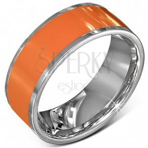 Hladký ocelový kroužek v oranžové barvě se stříbrným okrajem