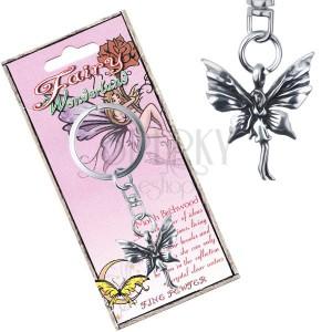 Kovový přívěsek na klíče - stojící motýlí víla s patinou