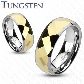 Levně Wolframový prsten - dvoubarevný, zlatý geometricky broušený střed - Velikost: 55, Šířka: 6 mm