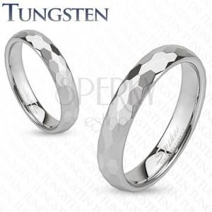 Prsten z wolframu - stříbrná obroučka, broušení do šestihranů