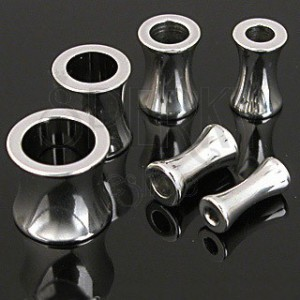 Piercing do ucha - tunnel z chirurgické oceli sedlový lesklý