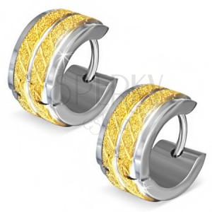 Kruhové ocelové náušnice - pískované zlaté pásy se šikmými zářezy