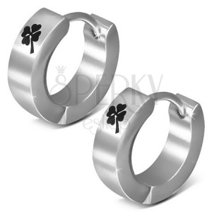 Kruhové ocelové náušnice se čtyřlístkem