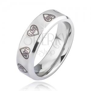 Stříbrný ocelový prsten - šedivé obrysy srdcí s nápisem Love