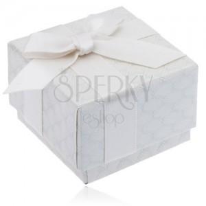 Lesklá krémová vzorovaná krabička na prsten s mašlí a stuhou