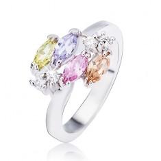 Lesklý stříbrný prsten, lesklé oválné zirkony a čiré kamínky L11.01