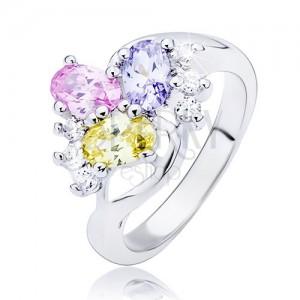 Lesklý prsten - zvlněná linie a barevné oválné zirkony
