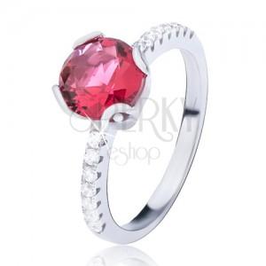 Prsten ze stříbra 925 - vystouplý červený kulatý zirkon, menší kamínky po stranách