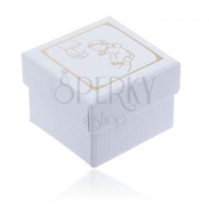 Bílá dárková krabička s vroubkovaným povrchem, zlatý motiv křtu