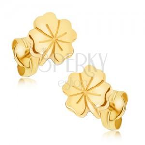 Lesklé zlaté náušnice 585 - čtyřlístek pro štěstí, ozdobné rýhování