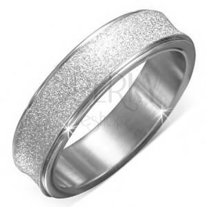 Pískovaný ocelový kroužek s prohlubní a lesklými okraji