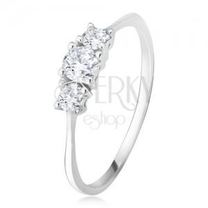 Prsten z bílého 14K zlata - tři vybroušené kulaté zirkony