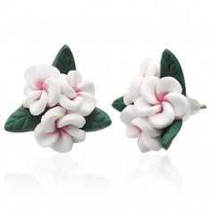 Bílé květinkové náušnice z hmoty FIMO