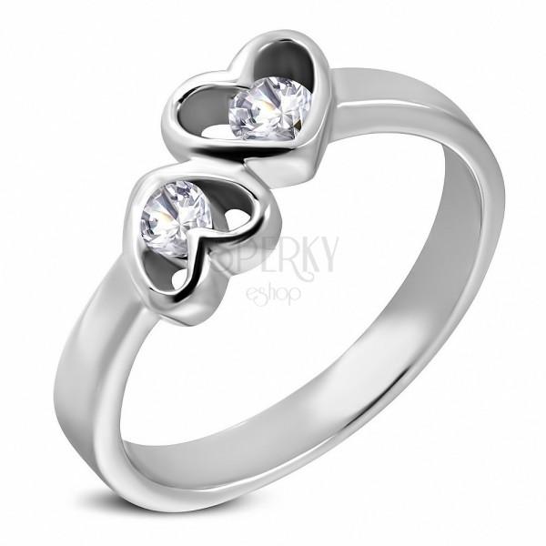 Ocelový prsten stříbrné barvy, dvě srdce s čirými zirkony