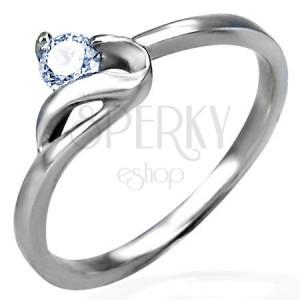 Zásnubní prsten s jemným zirkonem