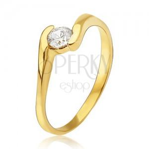 Zlatý prsten 585 - čirý zirkon uchopený mezi konci ramen prstenu