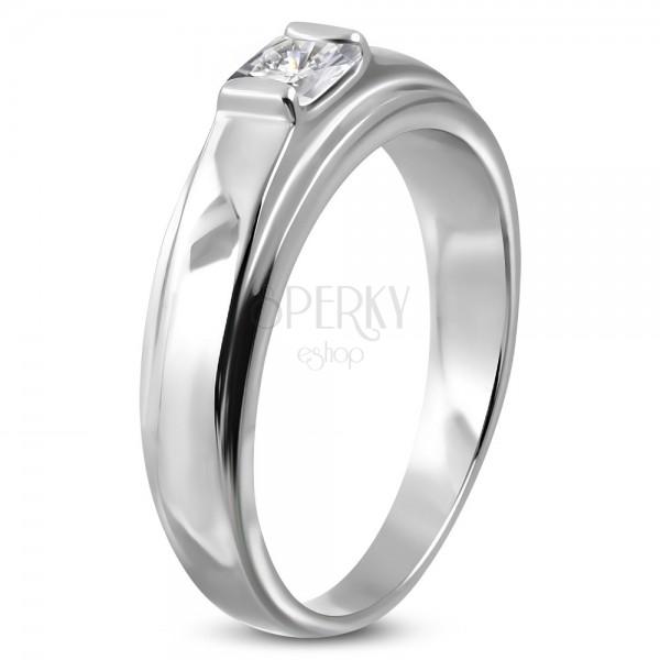 Zásnubní prsten z chirurgické oceli, čtvercový zirkon na vyvýšeném podkladu