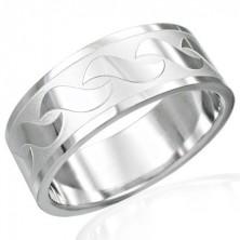 """Prsten z chirurgické oceli s lesklými vzory ve tvaru """"S"""""""