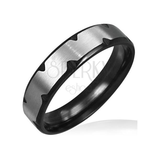 Ocelový prsten s černými zářezy