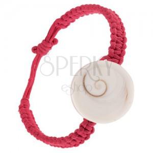 Pletený náramek na ruku, tmavě růžové šňůrky, okrouhlá lastura