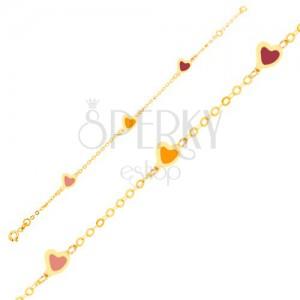 Náramek ve žlutém 9K zlatě - barevná glazovaná srdce, lesklý řetízek