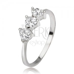 Stříbrný prsten 925 se třemi srdíčkovými zirkony