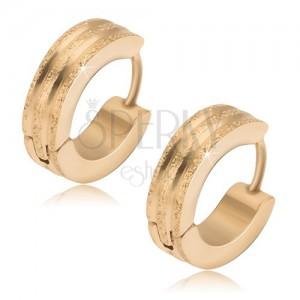 Kruhové ocelové náušnice - zlaté, tři pískované pásy, lesklé rýhy