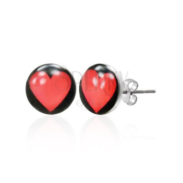 Náušnice z oceli se srdcem na černém podkladu