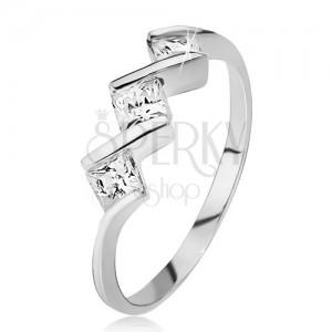 Prsten ze stříbra 925 - tři čiré čtvercové kamínky, lesklá cik-cak linie